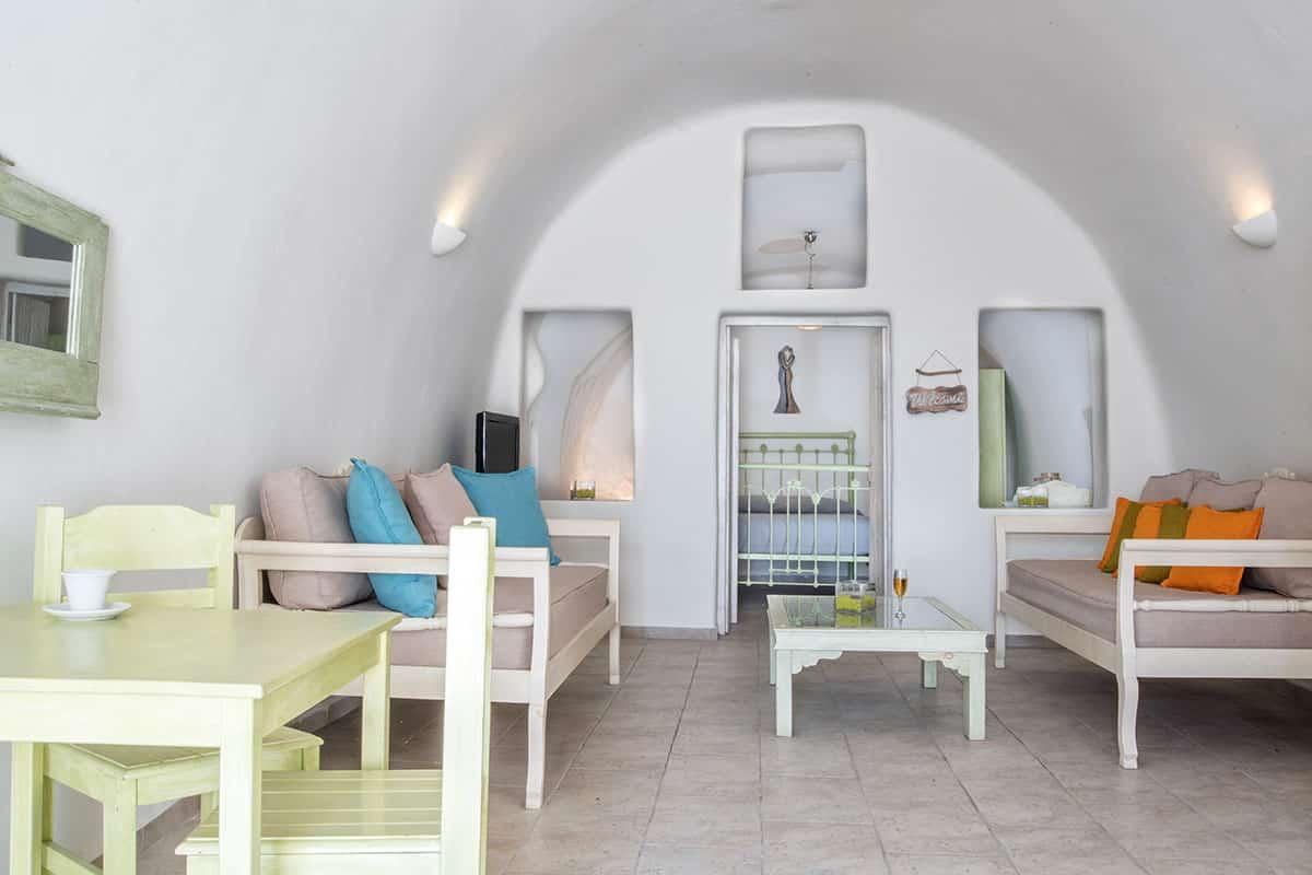Santorini Hideaway Cave House | Blue Dolphins Santorini Island