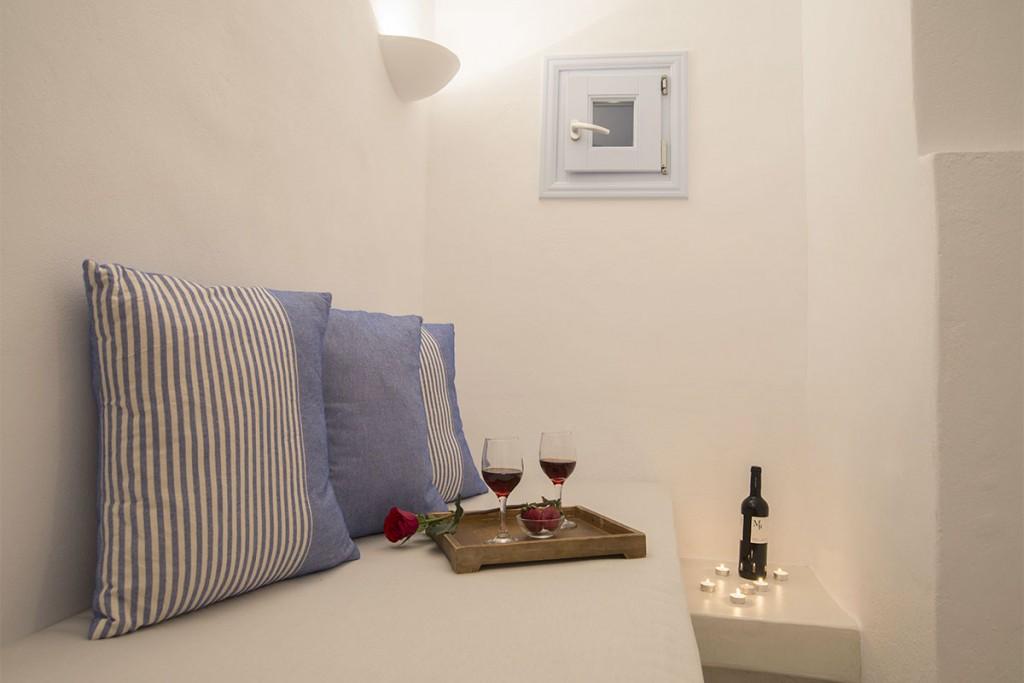 Honeymoon Suite With Jacuzzi In Santorini