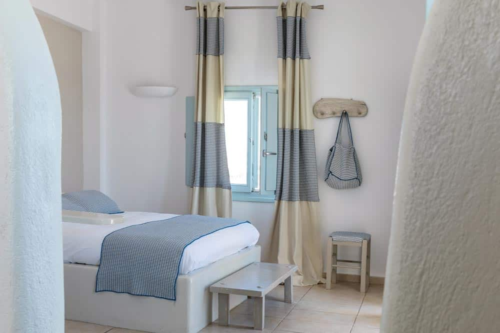 romantic suite interior bluedolphins santorini