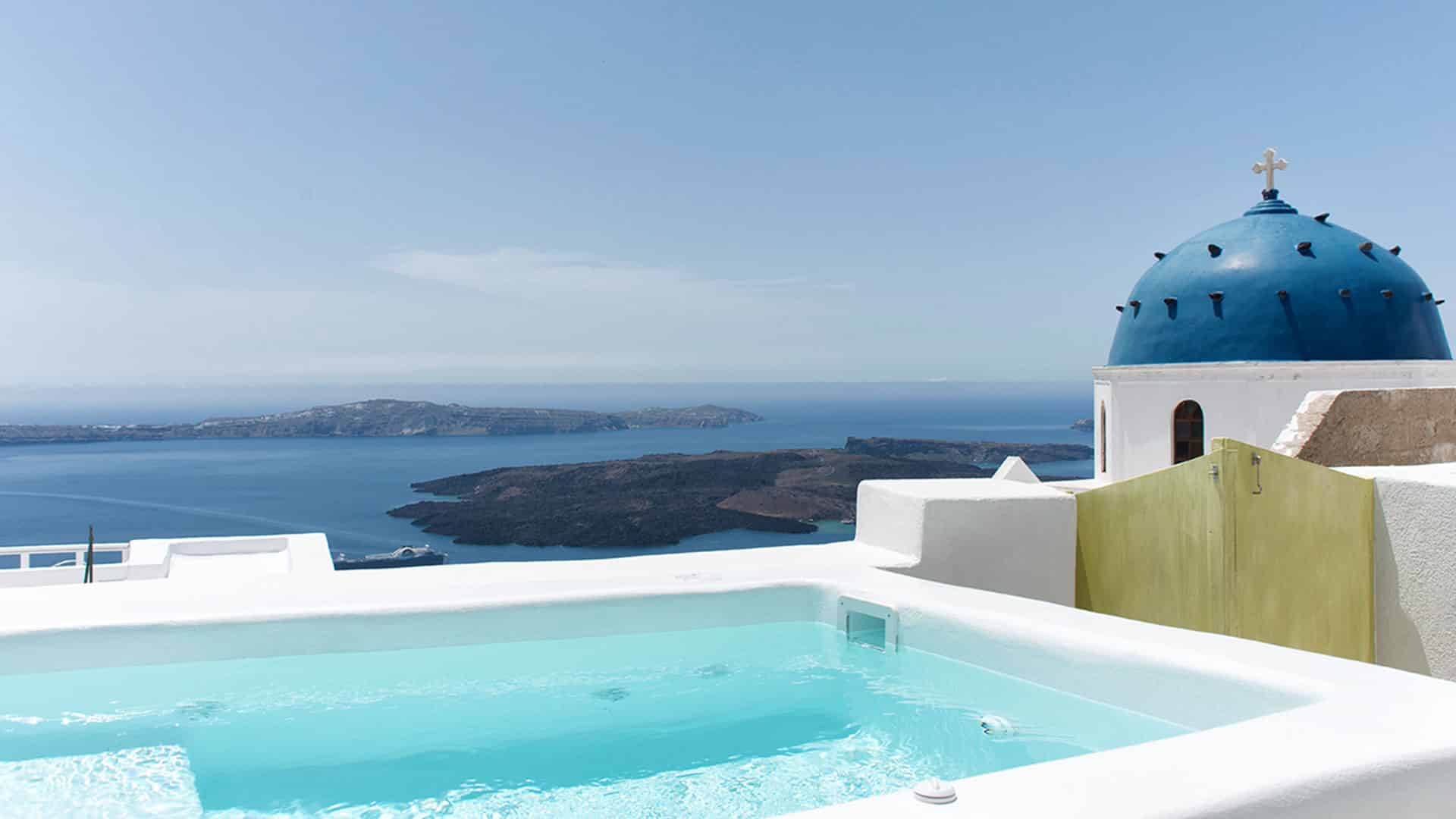 Santorini hideway house with jacuzzi and view to caldera | Blue Dolphins Apartments | Santorini Island Greece