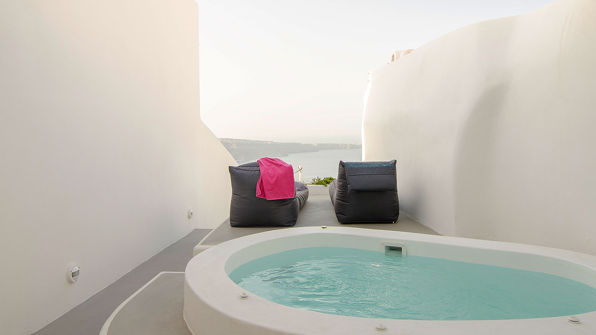 Santorini suites and apartments with jacuzzi and view caldera