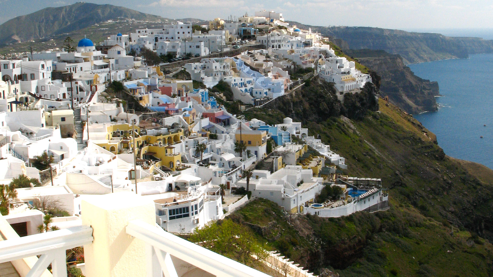 Santorini Apertments | Family Suites with view to caldera and firostefani