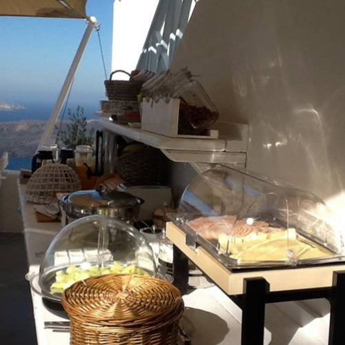 Buffet - Breakfast with view to Caldera - Blue Dolphins - Santorini accommodation