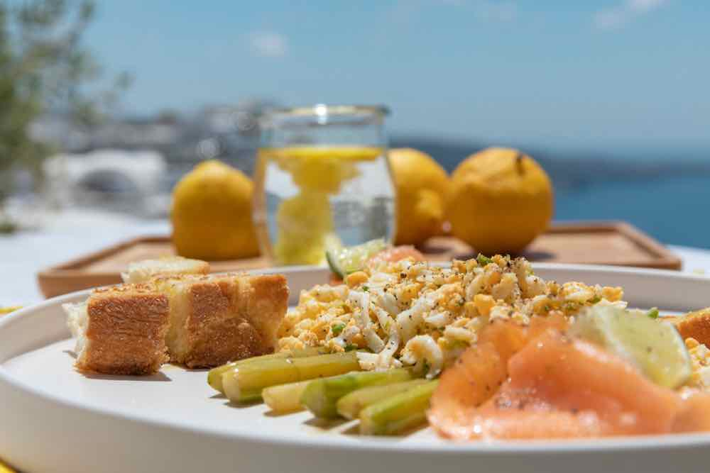 breakfast santorini bluedolphins11