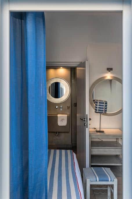 apartments in santorini bluedolpins comfortable bathroom 2