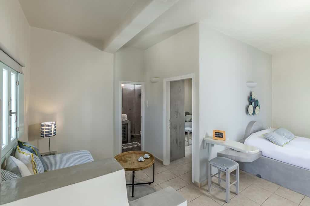 family suites with private balcony santorini bluedolpins 1