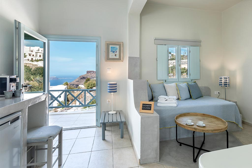 family suites with private balcony santorini bluedolpins 3