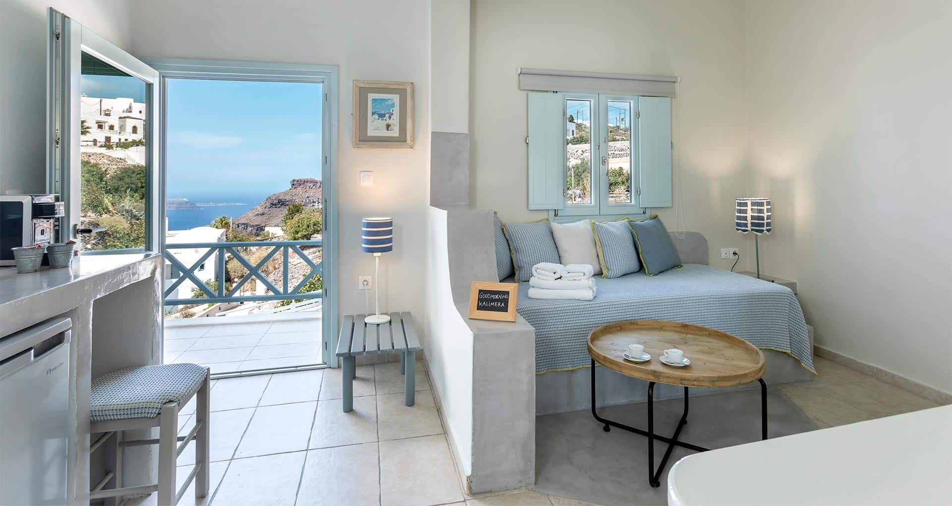 family suites with private balcony santorini bluedolpins s2