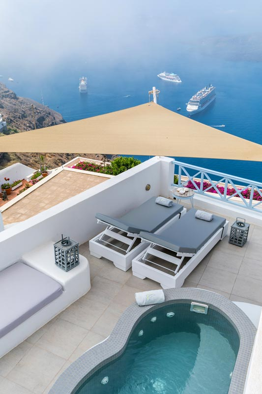 honeymoon jacuzzi suites private balcony santorini bluedolphins 12
