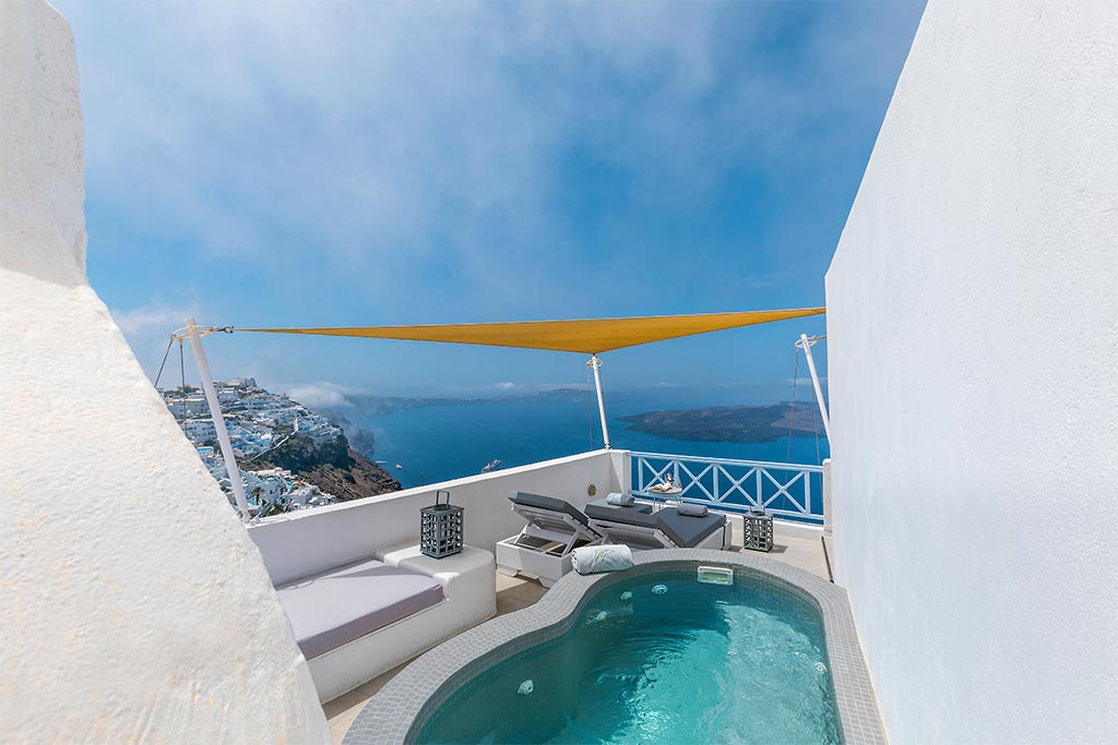 honeymoon jacuzzi suites private balcony santorini bluedolphins 14