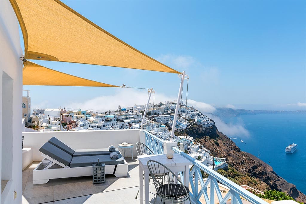 honeymoon jacuzzi suites private balcony santorini bluedolphins 15