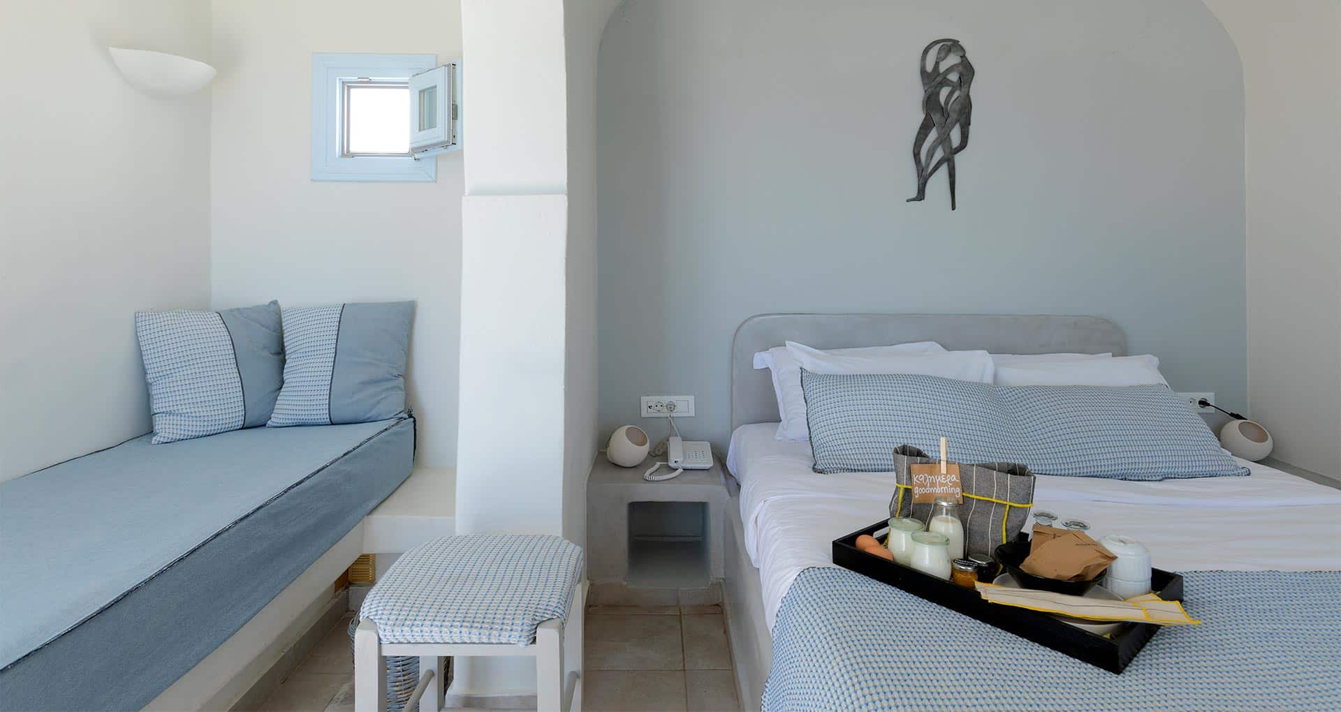 honeymoon jacuzzi suites private balcony santorini bluedolphins sl2