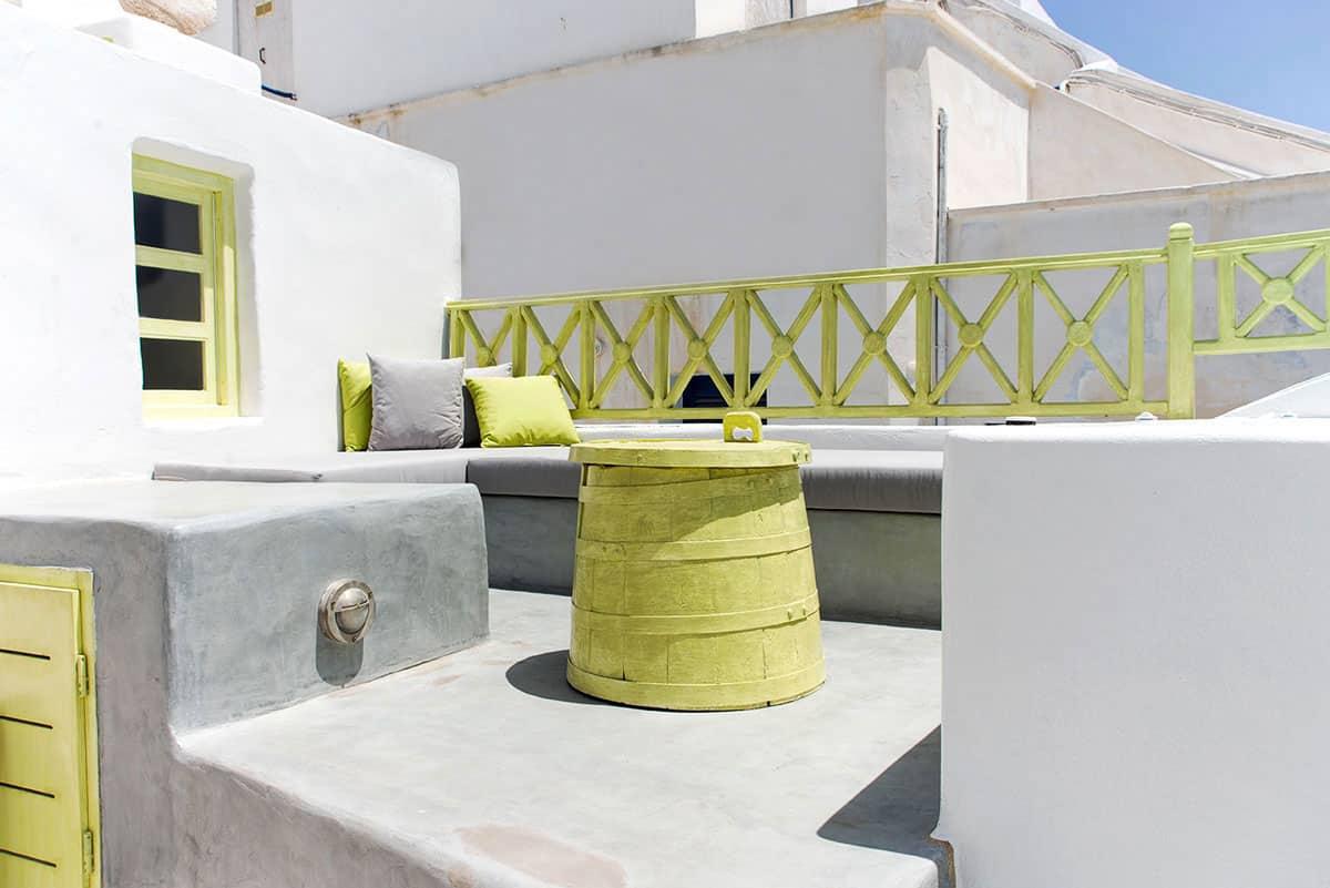 luxury suites jacuzzi santorini veranda bluedolphins