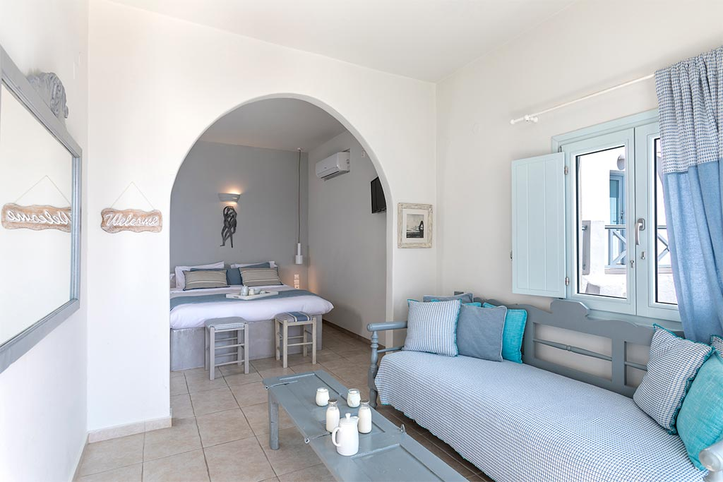 romantic suite with private balcony santorini bluedolphins 05