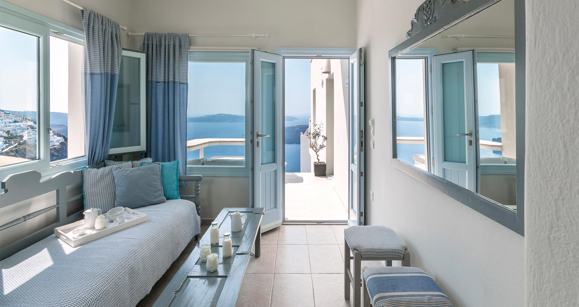 romantic suite with private balcony santorini bluedolphins sl1