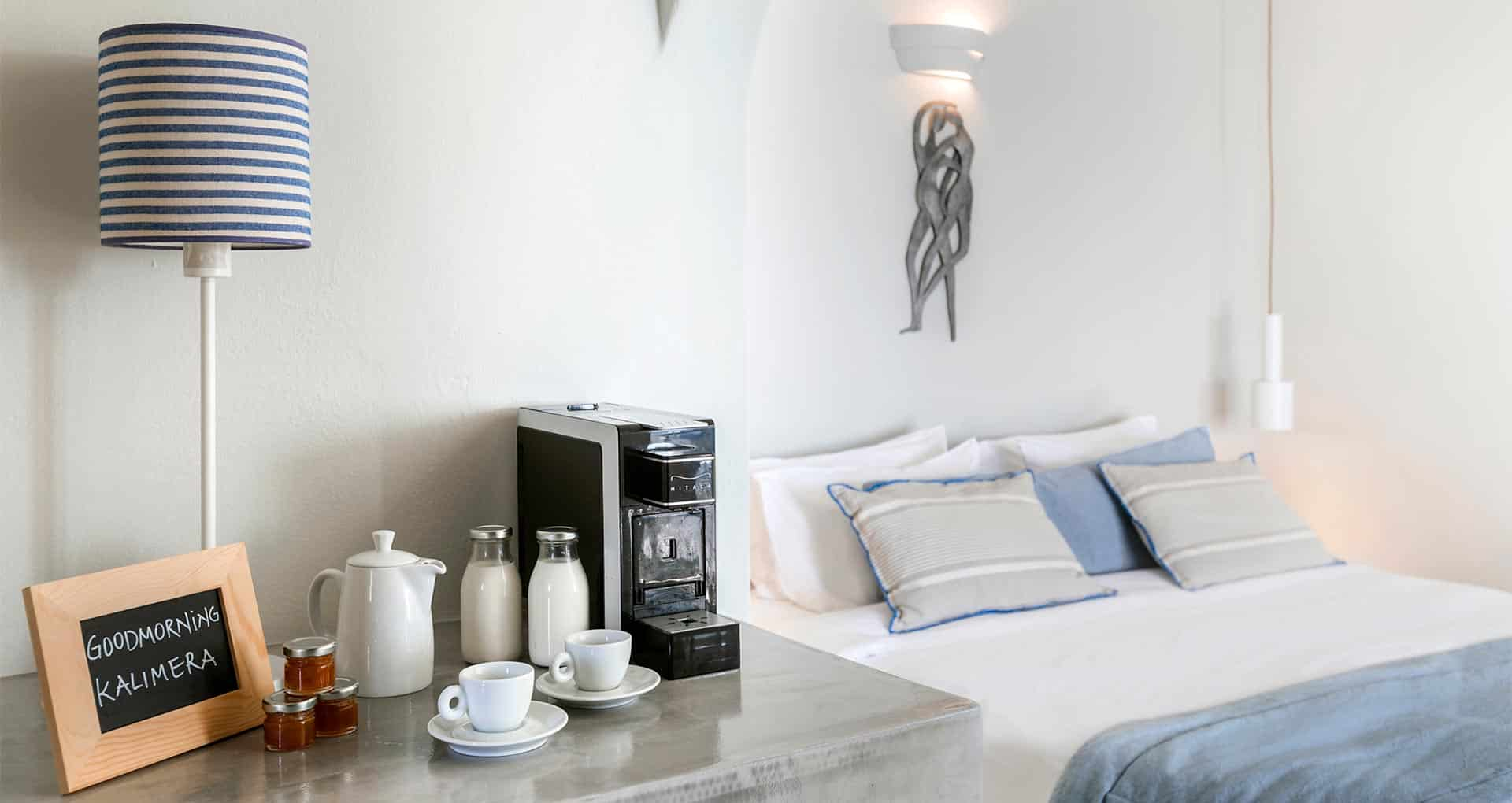 romantic suite with private balcony santorini bluedolphins sl3